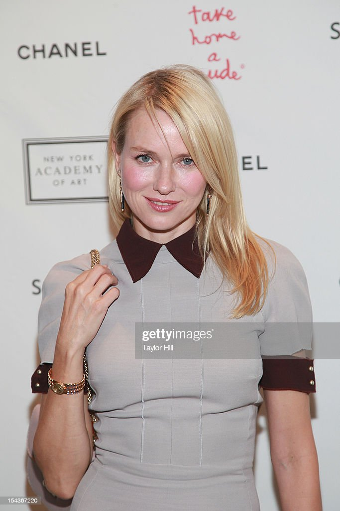 Actress <a gi-track='captionPersonalityLinkClicked' href=/galleries/search?phrase=Naomi+Watts&family=editorial&specificpeople=171723 ng-click='$event.stopPropagation()'>Naomi Watts</a> attends the 2012 Take Home a Nude Benefit Art Auction at Sotheby's on October 18, 2012 in New York City.