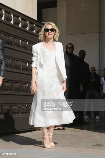 Actress Naomi Watts attends the Giorgio Armani Prive fashion show during Haute Couture Fall/Winter 20172018 on July 4 2017 in Paris France