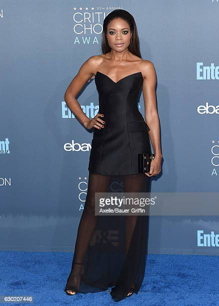 Actress Naomie Harris arrives at The 22nd Annual Critics' Choice Awards at Barker Hangar on December 11 2016 in Santa Monica California