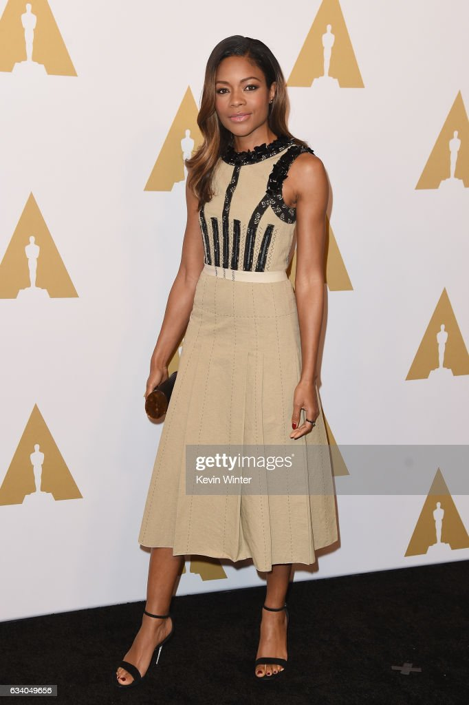 actress-naomie-harris-attends-the-89th-annual-academy-awards-nominee-picture-id634049656