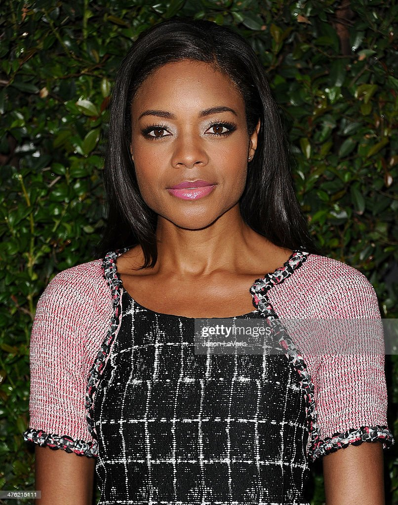Actress <a gi-track='captionPersonalityLinkClicked' href=/galleries/search?phrase=Naomie+Harris&family=editorial&specificpeople=238918 ng-click='$event.stopPropagation()'>Naomie Harris</a> attends the Chanel and Charles Finch pre-Oscar dinner at Madeo Restaurant on March 1, 2014 in Los Angeles, California.
