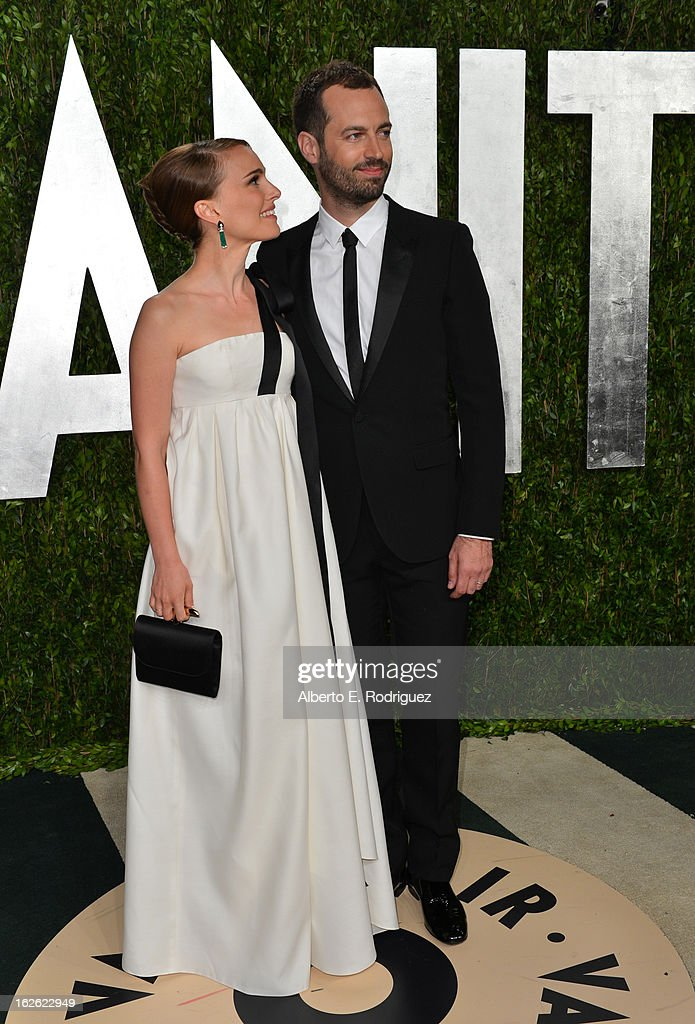 Actress Natalie Portman (L) and Benjamin Millepied arrives at the 2013 Vanity Fair Oscar Party hosted by Graydon Carter at Sunset Tower on February 24, 2013 in West Hollywood, California.