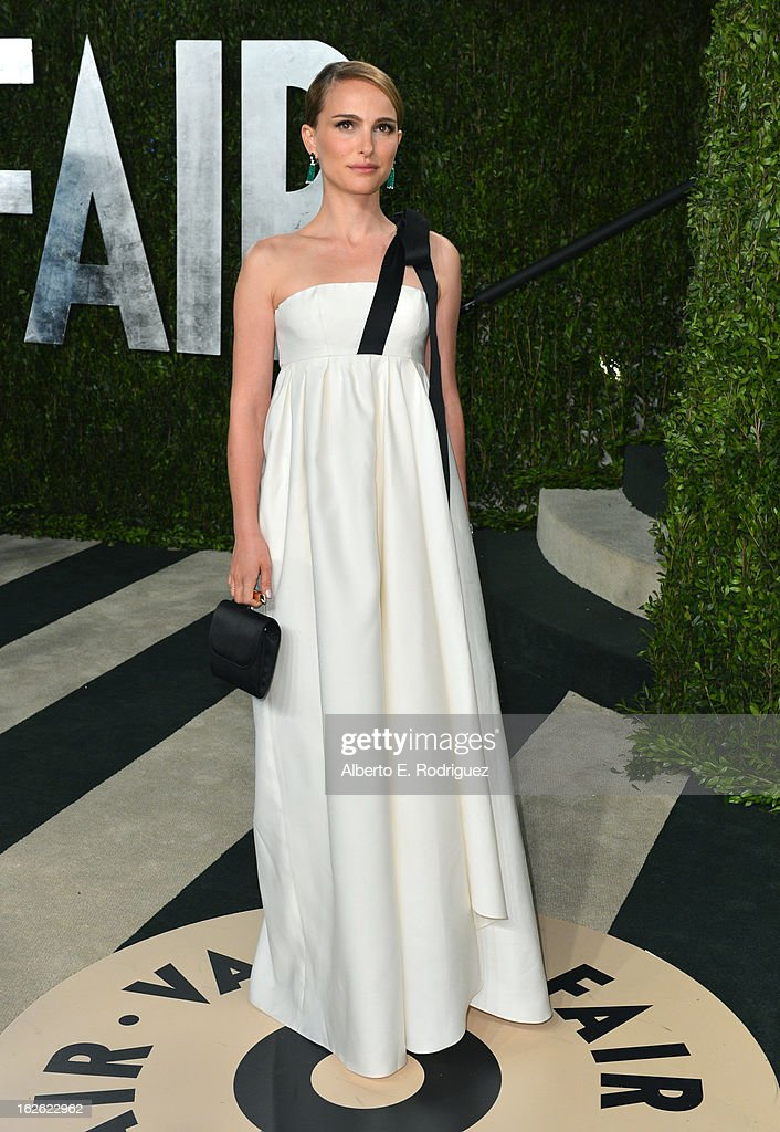 Actress Natalie Portman arrives at the 2013 Vanity Fair Oscar Party hosted by Graydon Carter at Sunset Tower on February 24, 2013 in West Hollywood, California.