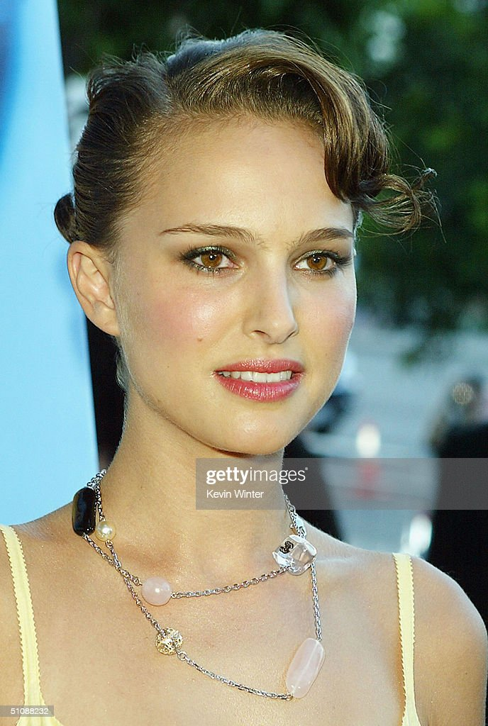 Actress Natalie Portman arrives at the premiere of Fox Searchlight Pictures' 'Garden State' on July 20, 2004 at the Directors Guild, in Los Angeles, California.