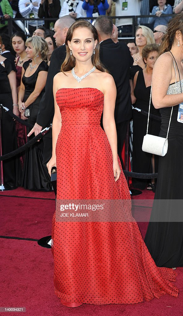 Actress Natalie Portman arrives on the red carpet for the 84th Annual Academy Awards on February 26, 2012 in Hollywood, California. AFP PHOTO Joe KLAMAR