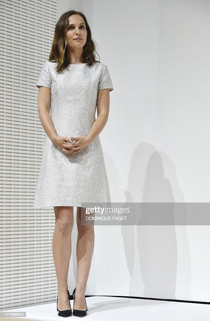 US actress Natalie Portman attends the LVMH Young Fashion Designer awards ceremony in Paris on May 22 2015 AFP PHOTO / DOMINIQUE FAGET