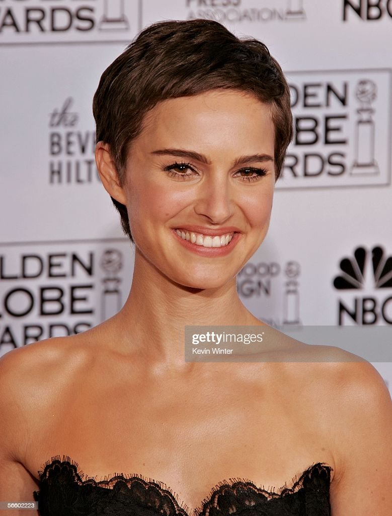 Actress Natalie Portman poses backstage during 63rd Annual Golden Globe Awards at the Beverly Hilton on January 16, 2006 in Beverly Hills, California.
