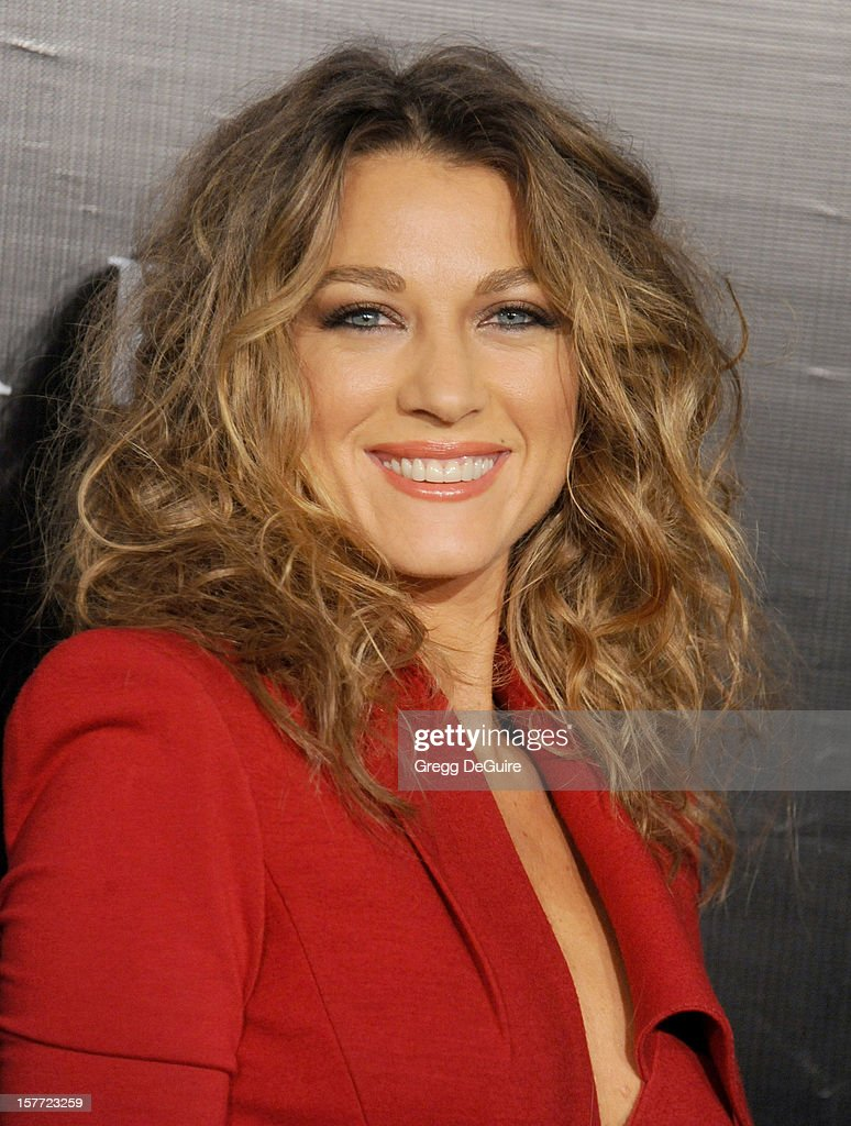 Actress Natalie Zea arrives at the Rodeo Drive Walk of Style honoring Bvlgari on December 5, 2012 in Beverly Hills, California.