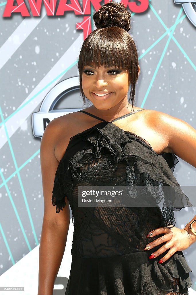 Actress <a gi-track='captionPersonalityLinkClicked' href=/galleries/search?phrase=Naturi+Naughton&family=editorial&specificpeople=2559512 ng-click='$event.stopPropagation()'>Naturi Naughton</a> attends the 2016 BET Awards at Microsoft Theater on June 26, 2016 in Los Angeles, California.