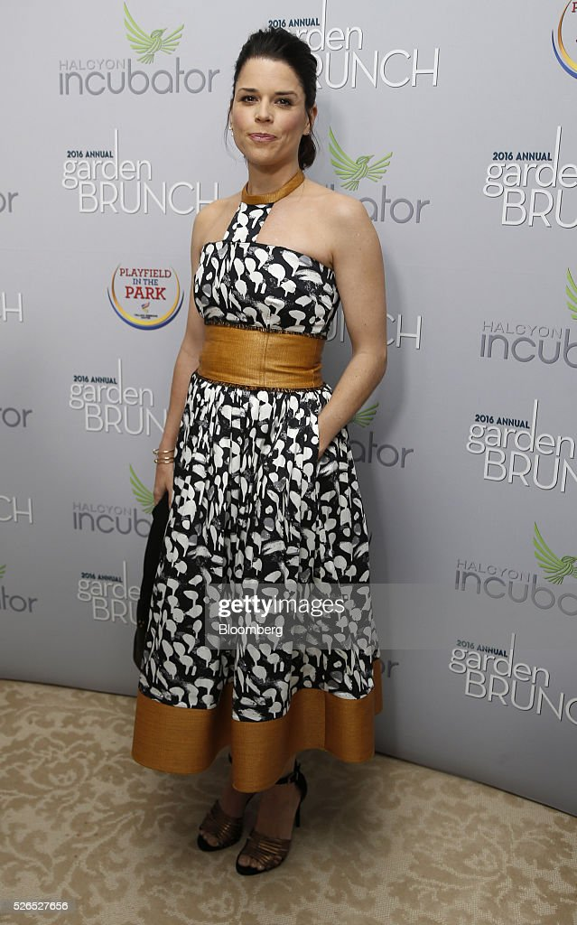 Actress Neve Campbell attends the 23rd Annual White House Correspondents' Garden Brunch in Washington, D.C., U.S., on Saturday, April 30, 2016. The event will raise awareness for Halcyon Incubator, an organization that supports early stage social entrepreneurs 'seeking to change the world' through an immersive 18-month fellowship program. Photographer: Andrew Harrer/Bloomberg via Getty Images
