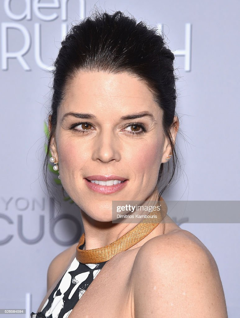 Actress <a gi-track='captionPersonalityLinkClicked' href=/galleries/search?phrase=Neve+Campbell&family=editorial&specificpeople=202239 ng-click='$event.stopPropagation()'>Neve Campbell</a> attends the Garden Brunch prior to the 102nd White House Correspondents' Association Dinner at the Beall-Washington House on April 30, 2016 in Washington, DC.