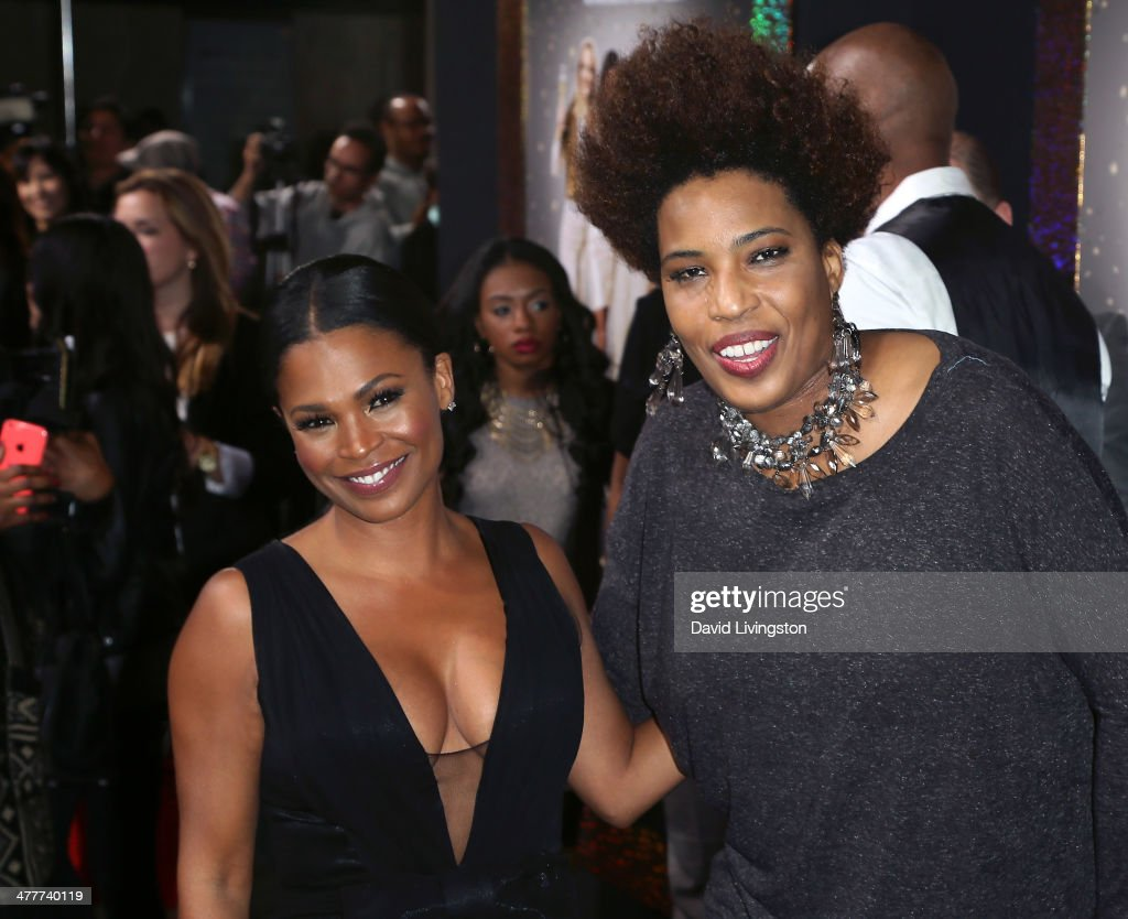 Actress <a gi-track='captionPersonalityLinkClicked' href=/galleries/search?phrase=Nia+Long&family=editorial&specificpeople=206752 ng-click='$event.stopPropagation()'>Nia Long</a> (L) and singer <a gi-track='captionPersonalityLinkClicked' href=/galleries/search?phrase=Macy+Gray&family=editorial&specificpeople=208718 ng-click='$event.stopPropagation()'>Macy Gray</a> attend the premiere of Tyler Perry's 'The Single Moms Club' at the ArcLight Cinemas Cinerama Dome on March 10, 2014 in Hollywood, California.