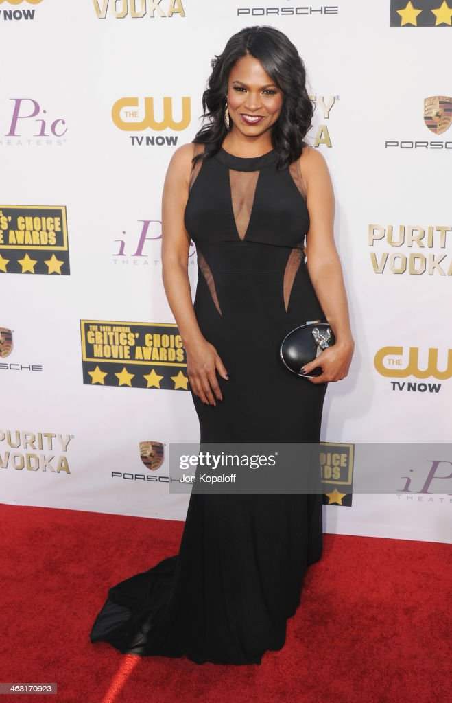 Actress <a gi-track='captionPersonalityLinkClicked' href=/galleries/search?phrase=Nia+Long&family=editorial&specificpeople=206752 ng-click='$event.stopPropagation()'>Nia Long</a> arrives at the 19th Annual Critics' Choice Movie Awards at Barker Hangar on January 16, 2014 in Santa Monica, California.