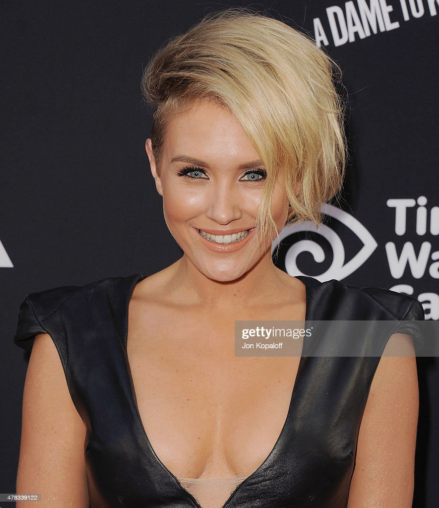 Actress <a gi-track='captionPersonalityLinkClicked' href=/galleries/search?phrase=Nicky+Whelan&family=editorial&specificpeople=642364 ng-click='$event.stopPropagation()'>Nicky Whelan</a> arrives at the Los Angeles Premiere 'Sin City: A Dame To Kill For' at TCL Chinese Theatre on August 19, 2014 in Hollywood, California.