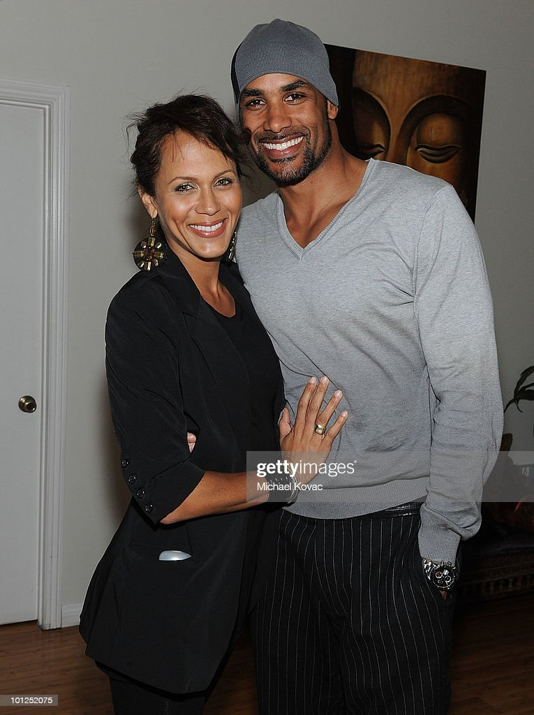Actress Nicole Ari Parker and husband actor Boris Kodjoe attend the '35 And Ticking' Film Wrap Party on May 28 2010 in Woodland Hills California