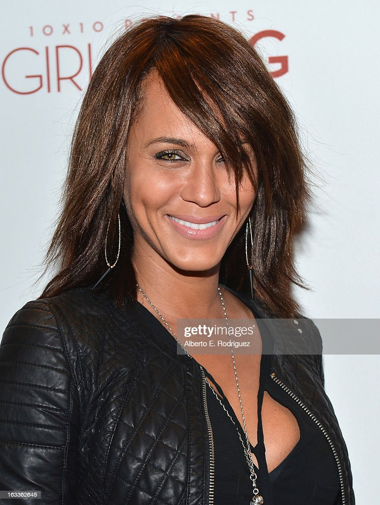 Actress <a gi-track='captionPersonalityLinkClicked' href=/galleries/search?phrase=Nicole+Ari+Parker&family=editorial&specificpeople=884033 ng-click='$event.stopPropagation()'>Nicole Ari Parker</a> attends a special screening of 10x10's 'Girl Rising' hosted by Intel on March 7, 2013 in Los Angeles, California.