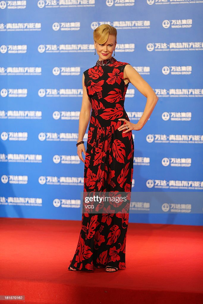 Actress <a gi-track='captionPersonalityLinkClicked' href=/galleries/search?phrase=Nicole+Kidman&family=editorial&specificpeople=156404 ng-click='$event.stopPropagation()'>Nicole Kidman</a> arrives at the red carpet during the opening night of the Qingdao Oriental Movie Metropolis at Qingdao Beer City on September 22, 2013 in Qingdao, China.