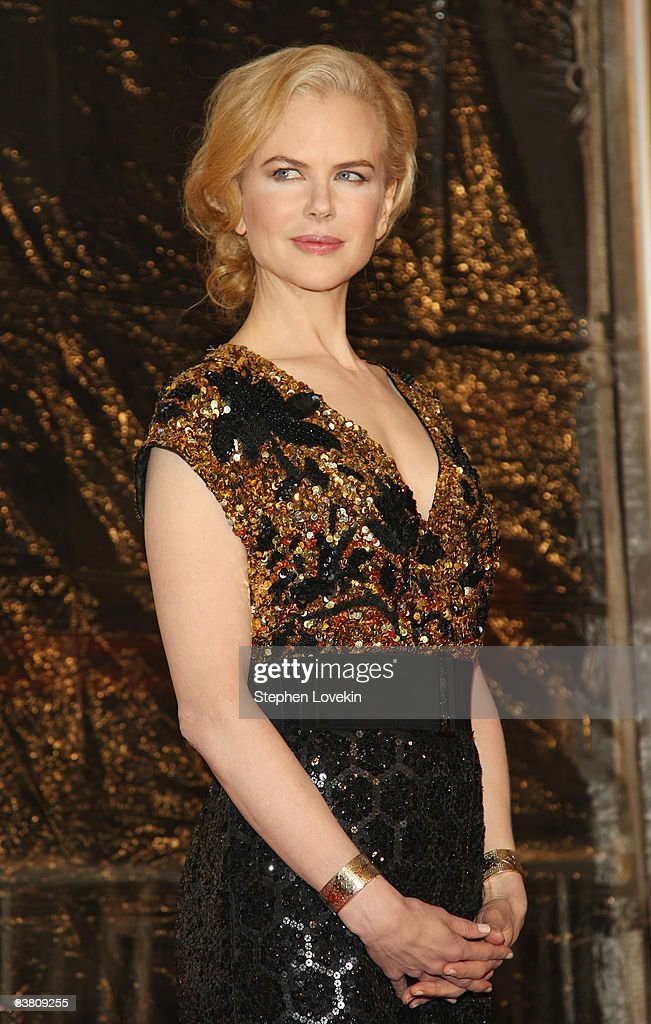 Actress <a gi-track='captionPersonalityLinkClicked' href=/galleries/search?phrase=Nicole+Kidman&family=editorial&specificpeople=156404 ng-click='$event.stopPropagation()'>Nicole Kidman</a> attends the premiere of 'Australia' at the Ziegfeld Theater on November 24, 2008 in New York City.