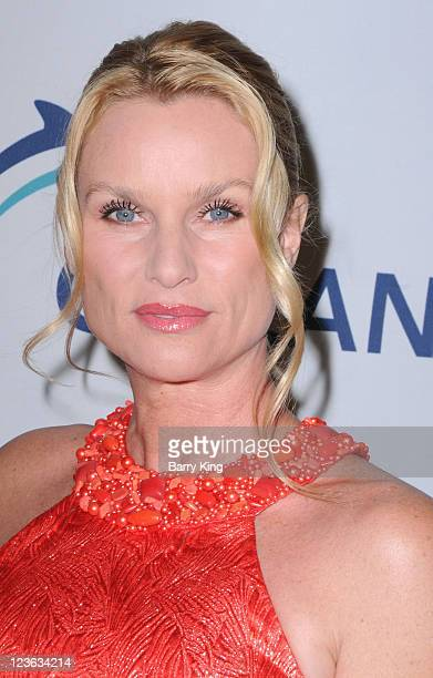 Actress Nicollette Sheridan arrives at the Esquire House LA hosts the Oceana benefit event held at Esquire House Estates on November 13 2010 in Los...