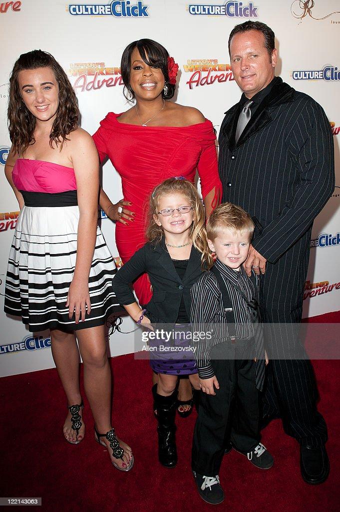 Celebrity Wife Swap - Niecy Nash/Tina Yothers - YouTube
