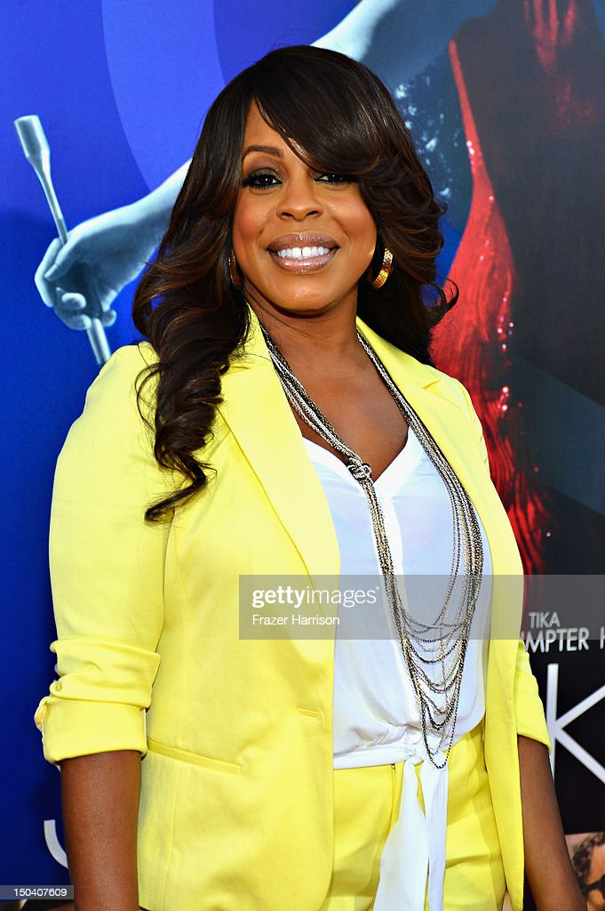 Actress Niecy Nash arrives at Tri-Star Pictures' 'Sparkle' premiere at Grauman's Chinese Theatre on August 16, 2012 in Hollywood, California.