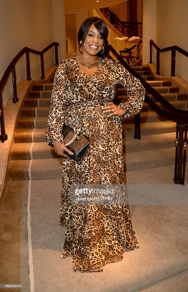 Actress <a gi-track='captionPersonalityLinkClicked' href=/galleries/search?phrase=Niecy+Nash&family=editorial&specificpeople=228464 ng-click='$event.stopPropagation()'>Niecy Nash</a> attends the 9th Annual GLSEN Respect Awards at Beverly Hills Hotel on October 18, 2013 in Beverly Hills, California.