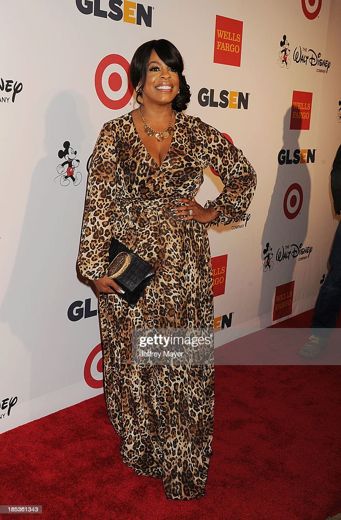 Actress <a gi-track='captionPersonalityLinkClicked' href=/galleries/search?phrase=Niecy+Nash&family=editorial&specificpeople=228464 ng-click='$event.stopPropagation()'>Niecy Nash</a> attends the 9th Annual GLSEN Respect Awards held at the Beverly Hills Hotel on October 18, 2013 in Beverly Hills, California.
