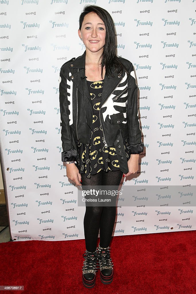 Actress <a gi-track='captionPersonalityLinkClicked' href=/galleries/search?phrase=Noah+Cyrus&family=editorial&specificpeople=5363850 ng-click='$event.stopPropagation()'>Noah Cyrus</a> arrives at DigiFest LA at Hollywood Palladium on December 14, 2013 in Hollywood, California.