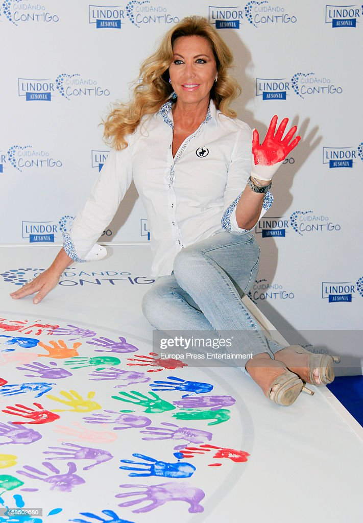 Actress Norma Duval attends the 'El dia del cuidador' campaign photocall on November 5 2014 in Madrid Spain
