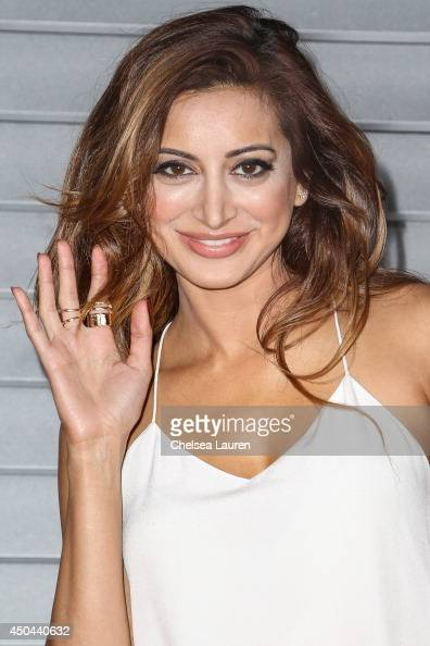Noureen DeWulf Nude Photos 77