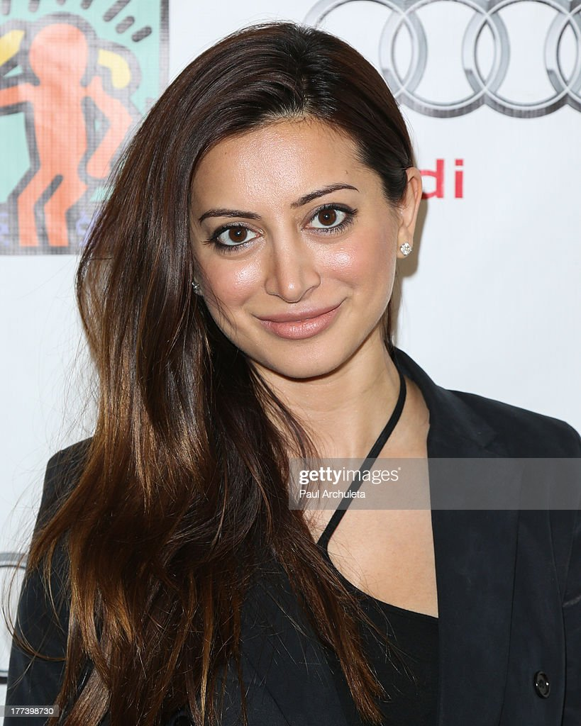 Actress <a gi-track='captionPersonalityLinkClicked' href=/galleries/search?phrase=Noureen+DeWulf&family=editorial&specificpeople=666337 ng-click='$event.stopPropagation()'>Noureen DeWulf</a> attends the Best Buddies celebrity poker charity event at Audi Beverly Hills on August 22, 2013 in Beverly Hills, California.