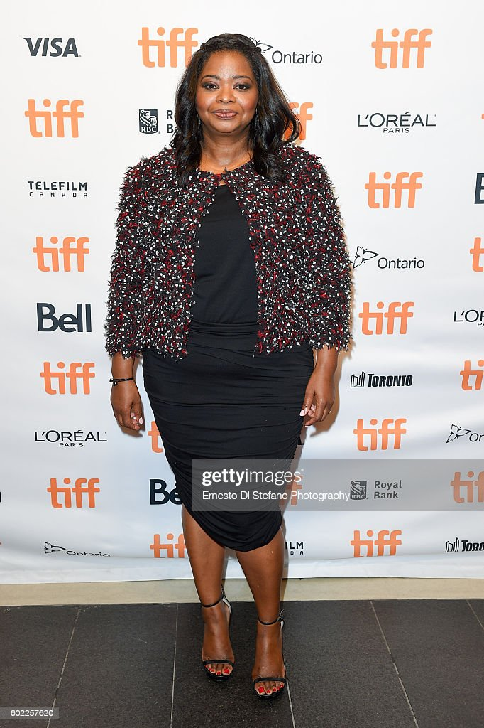 actress-octavia-spencer-attends-the-hidden-figures-premiere-during-picture-id602257620