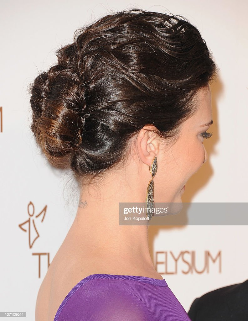 Actress Odette Annable arrives at the Art Of Elysium's 5th Annual Heaven Gala at Union Station on January 14, 2012 in Los Angeles, California.