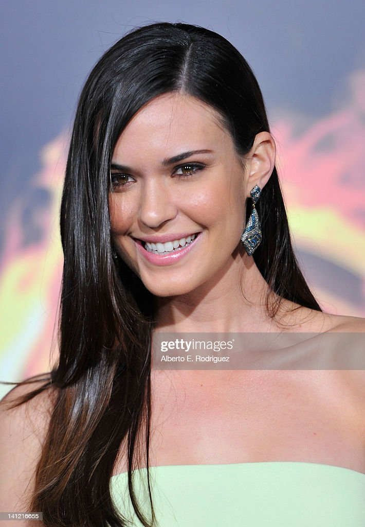 Actress Odette Annable arrives to the premiere of Lionsgate's 'The Hunger Games' at Nokia Theatre L.A. Live on March 12, 2012 in Los Angeles, California.