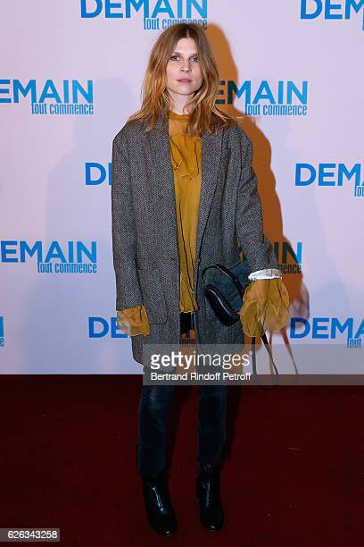 Actress of the movie Clemence Poesy attends the 'Demain Tout Commence' Paris Premiere at Cinema Le Grand Rex on November 28 2016 in Paris France