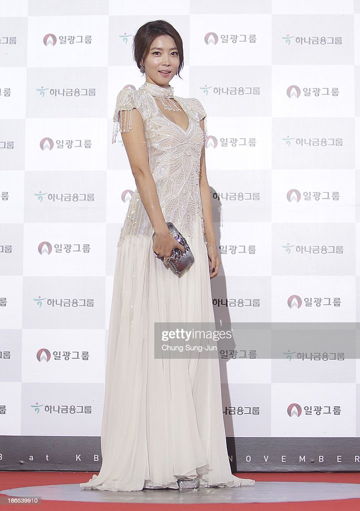 Actress <a gi-track='captionPersonalityLinkClicked' href=/galleries/search?phrase=Oh+Yoon-Ah&family=editorial&specificpeople=4341554 ng-click='$event.stopPropagation()'>Oh Yoon-Ah</a> arrives for the 50th Daejong Film Awards at KBS hall on November 1, 2013 in Seoul, South Korea.