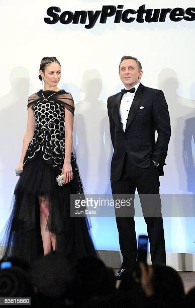 Actress Olga Kurylenko and actor Daniel Craig attend the 'Quantum of Solace' Japan Premiere at Roppongi Hills on November 25 2008 in Tokyo Japan The...