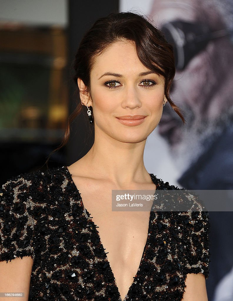 Actress Olga Kurylenko attends the premiere of 'Oblivion' at the Dolby Theatre on April 10, 2013 in Hollywood, California.