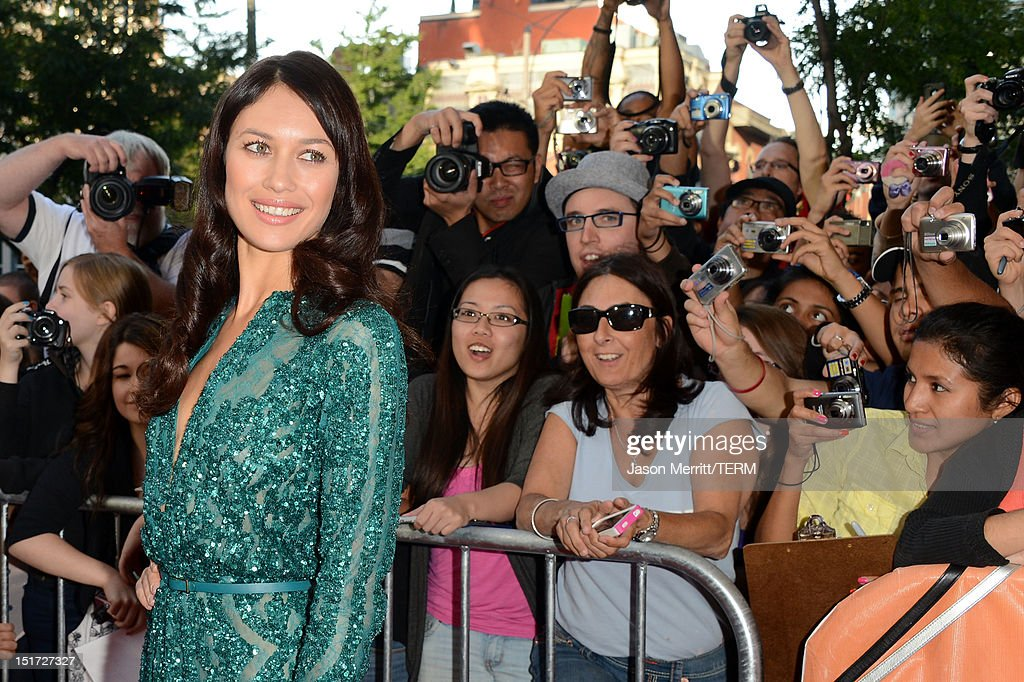 Actress <a gi-track='captionPersonalityLinkClicked' href=/galleries/search?phrase=Olga+Kurylenko&family=editorial&specificpeople=630281 ng-click='$event.stopPropagation()'>Olga Kurylenko</a> attends the 'To The Wonder' premiere during the 2012 Toronto International Film Festival at the Princess of Wales Theatre on September 10, 2012 in Toronto, Canada.