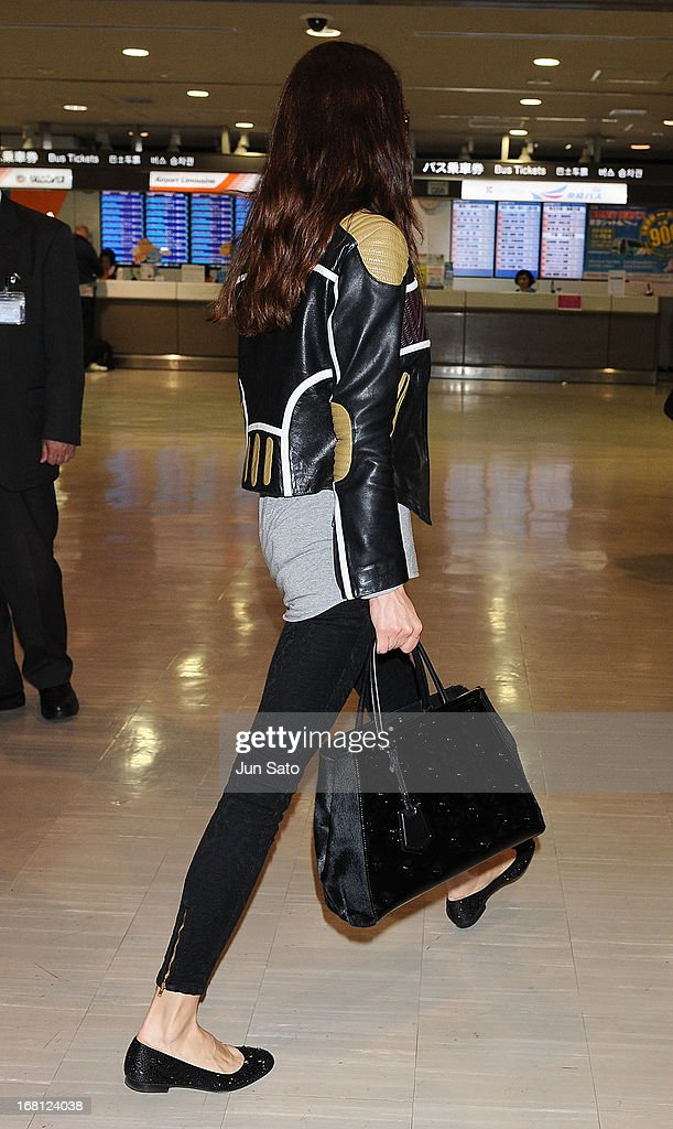 Actress <a gi-track='captionPersonalityLinkClicked' href=/galleries/search?phrase=Olga+Kurylenko&family=editorial&specificpeople=630281 ng-click='$event.stopPropagation()'>Olga Kurylenko</a> is seen upon arrival at Narita International Airport on May 6, 2013 in Narita, Japan.