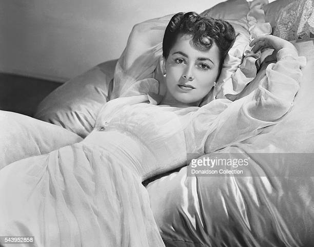 Actress Olivia de Havilland poses for a portrait in 1938 in Los Angeles California