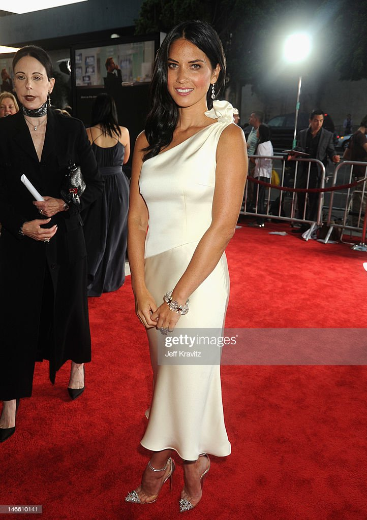Actress Olivia Munn arrives at HBO's New Series 'Newsroom' Los Angeles Premiere at ArcLight Cinemas Cinerama Dome on June 20, 2012 in Hollywood, California.