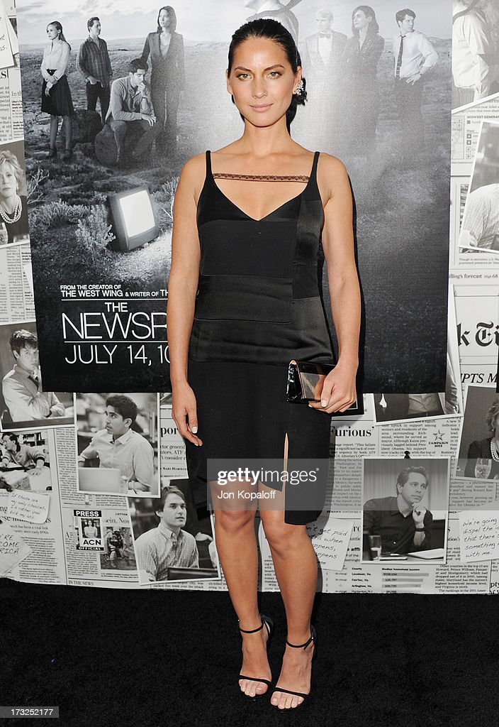 Actress <a gi-track='captionPersonalityLinkClicked' href=/galleries/search?phrase=Olivia+Munn&family=editorial&specificpeople=598969 ng-click='$event.stopPropagation()'>Olivia Munn</a> arrives at HBO's Season 2 Premiere Of 'The Newsroom' at Paramount Theater on the Paramount Studios lot on July 10, 2013 in Hollywood, California.