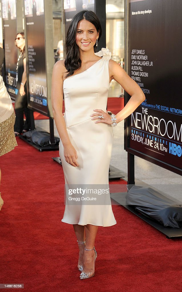 Actress Olivia Munn arrives at the Los Angeles premiere of HBO's 'The Newsroom' at ArcLight Cinemas Cinerama Dome on June 20, 2012 in Hollywood, California.