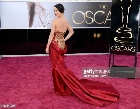 Actress Olivia Munn arrives at the Oscars at Hollywood Highland Center on February 24 2013 in Hollywood California