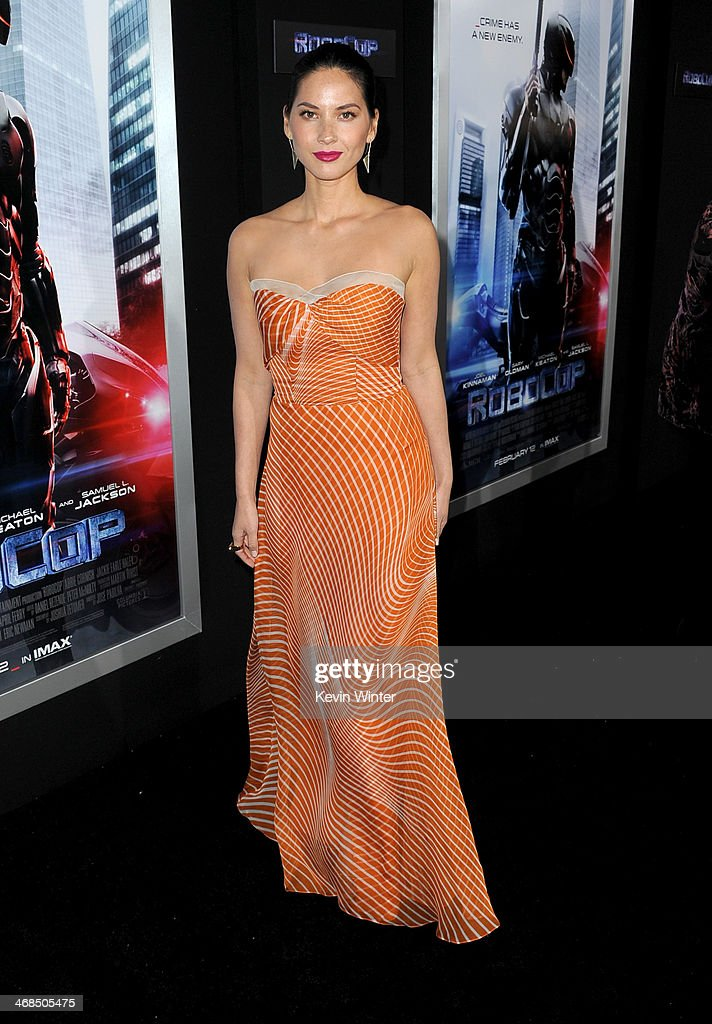 Actress <a gi-track='captionPersonalityLinkClicked' href=/galleries/search?phrase=Olivia+Munn&family=editorial&specificpeople=598969 ng-click='$event.stopPropagation()'>Olivia Munn</a> arrives at the premiere of Columbia Pictures' 'Robocop' at TCL Chinese Theatre on February 10, 2014 in Hollywood, California.