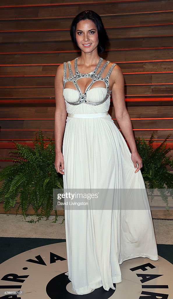 Actress Olivia Munn attends the 2014 Vanity Fair Oscar Party hosted by Graydon Carter on March 2, 2014 in West Hollywood, California.