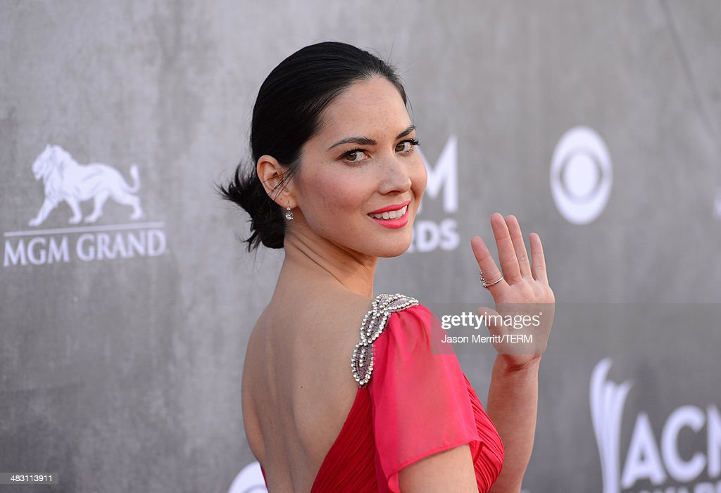 Actress <a gi-track='captionPersonalityLinkClicked' href=/galleries/search?phrase=Olivia+Munn&family=editorial&specificpeople=598969 ng-click='$event.stopPropagation()'>Olivia Munn</a> attends the 49th Annual Academy Of Country Music Awards at the MGM Grand Garden Arena on April 6, 2014 in Las Vegas, Nevada.