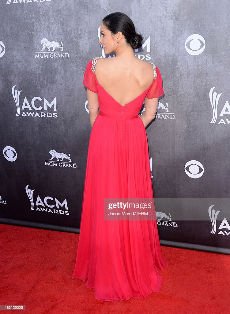 Actress Olivia Munn attends the 49th Annual Academy Of Country Music Awards at the MGM Grand Garden Arena on April 6, 2014 in Las Vegas, Nevada.