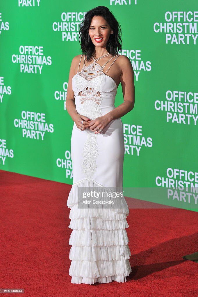 Actress Olivia Munn attends the premiere of Paramount Pictures' 'Office Christmas Party' at Regency Village Theatre on December 7, 2016 in Westwood, California.